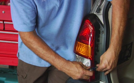 Tail Lights How to Replace Tail Lights